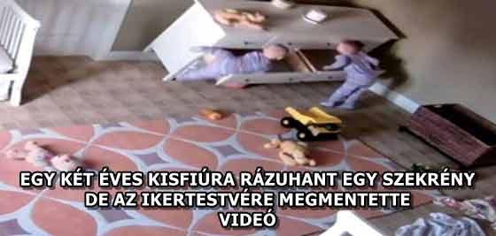 EGY KÉT ÉVES KISFIÚRA RÁZUHANT EGY SZEKRÉNY, DE AZ IKERTESTVÉRE MEGMENTETTE - VIDEÓ